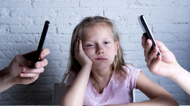 Parents Smartphone Addiction